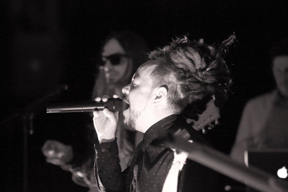 Locos Por Juana vocalist, Itagui Correa