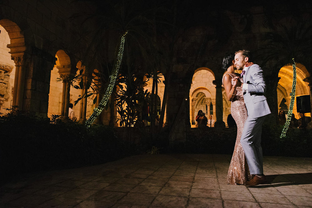 miami-luxury-catering-Wedding-Photography-87(pp_w1720_h1148).jpg
