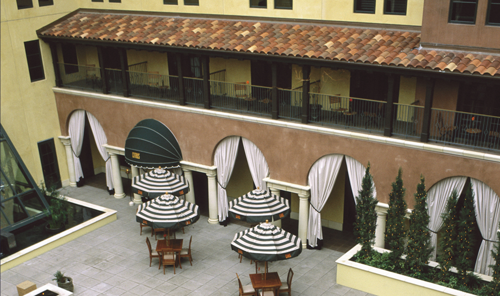 santana courtyard 2 cropped.jpg