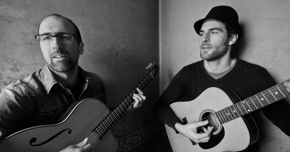 Iluminata es el proyecto musical de Joan Viñals, músico y compositor de Olot. Sus temas, cargados de emociones y armonías bellísimas son ya un referente de la música catalana. A dúo con Maarten Swaan, sus conciertos son un verdadero placer para los sentidos.
