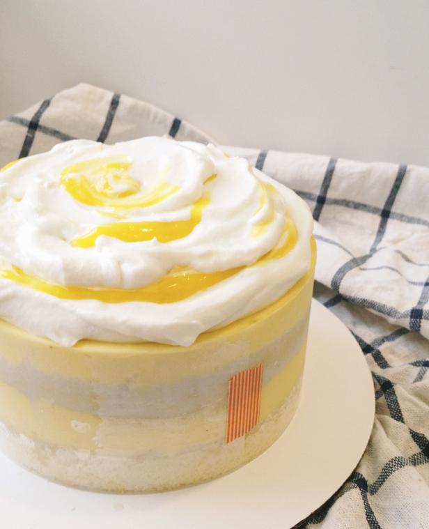 Good Tawny + Irv Wedding Cake. Matchbox KitchenSara ...