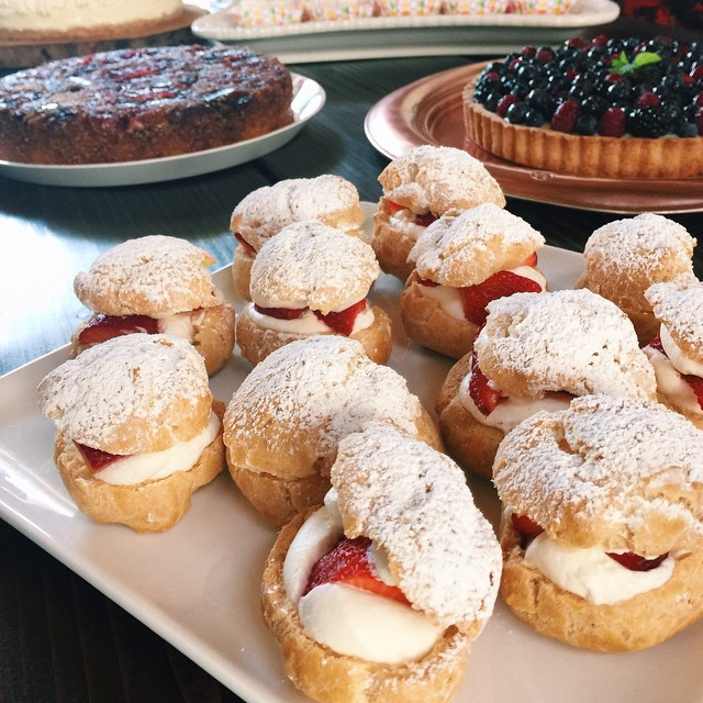 Bite size strawberry cream puffs by @drpwu (@matchboxkitchen's mom!) at our most recent #lacakeclub at @littlemeatsla!