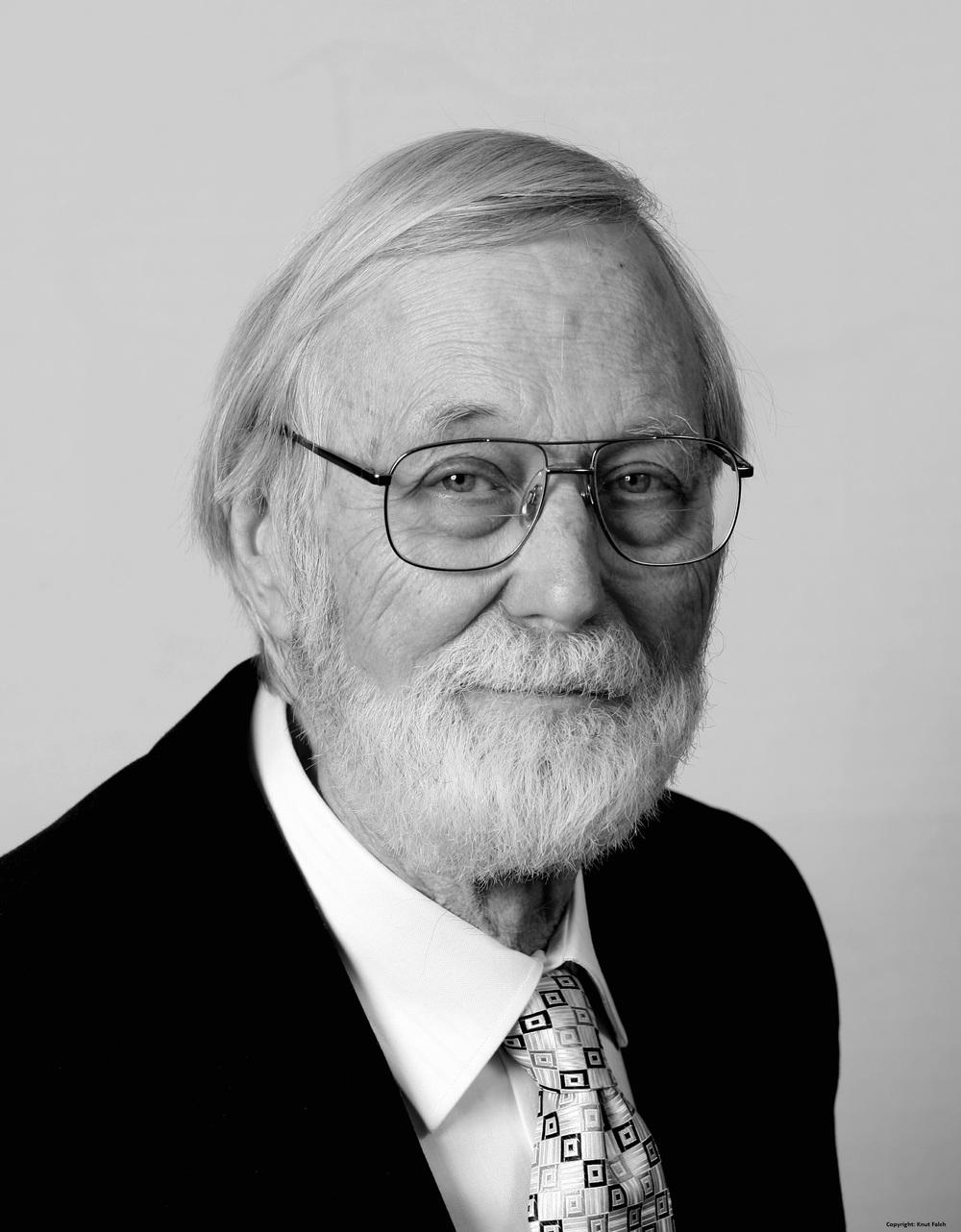 John Milnor (b. 1931)