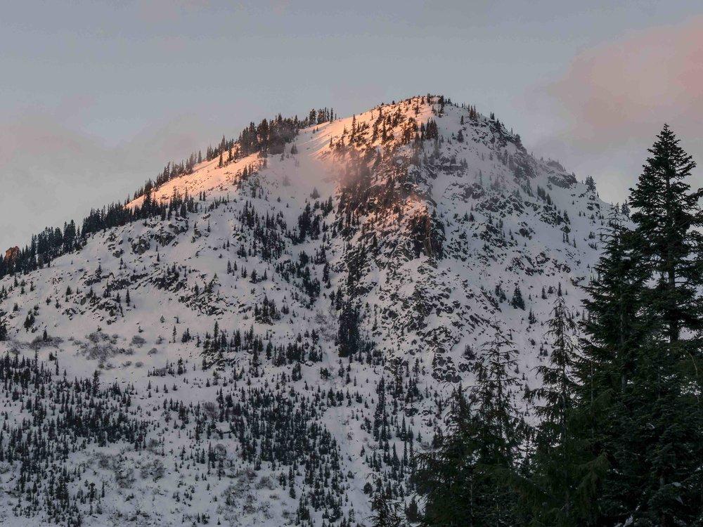 Mt_Lichtenberg_Peak_with_Blood_Orange_Sunset_Light_BLOG.jpg