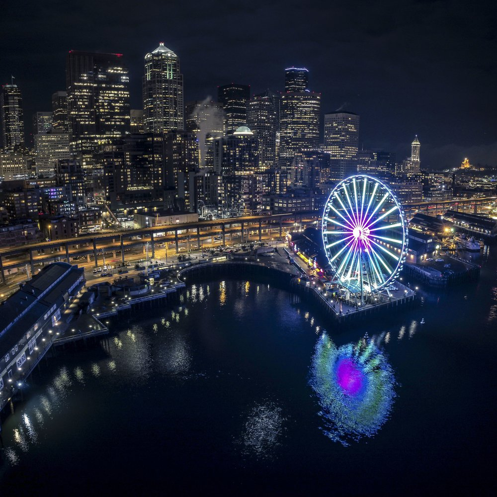 Seattle_Waterfront_Night_Aerial_of_Great_Wheel_Web.jpg