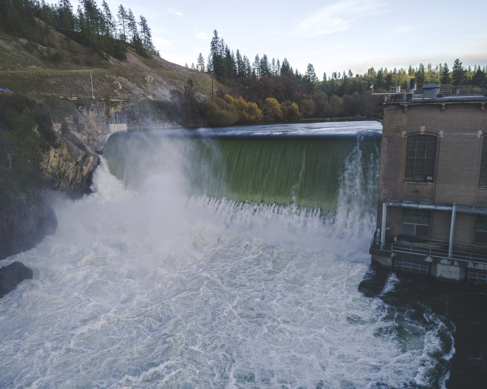 Spokane_River_Dam_at_9_Mile_Falls.jpg
