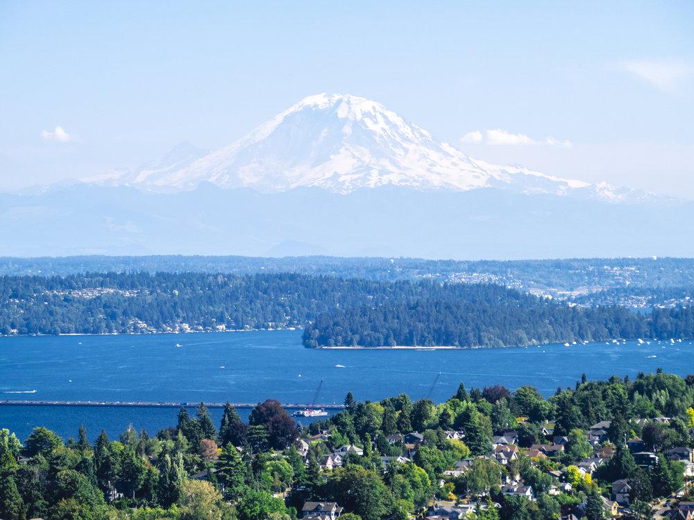 Mt_Rainier_Over_Lake_Washington_Sunny_Day_Aerial.jpg