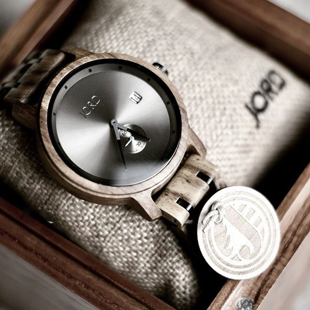 Humans have been tracking and measuring time for more than 5,000 years. . Swing by today to check out the history of timepieces, from sundials through the modern wrist watch. . Then #entertowin 🎯⌚ $100 toward a sustainable wooden #jordwatch! . #sponsored Link in bio . . . #jordwatches #jordhyde #giveawaytime #woodenwatch #hipsterfashion #hipsterstyle #worldhistory #timepieces #watchstyle #watchlovers