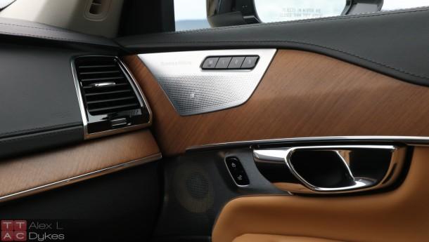 2016-Volvo-XC90-Inscription-Interior-001-610x345.jpg