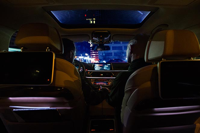 bmw-7-series-2016-features-review-ambient-lighting-package.jpg