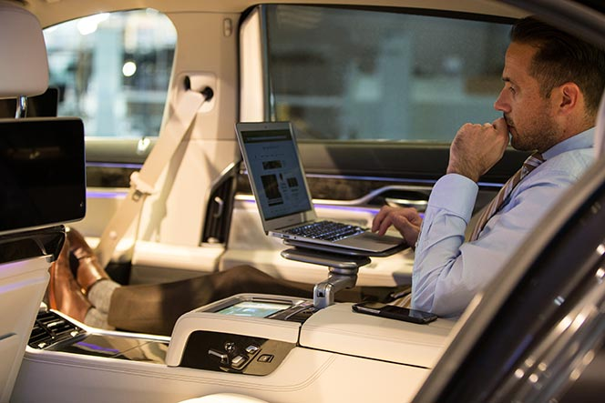 bmw-7-series-2016-features-review-executive-lounge-comfort-well-being.jpg