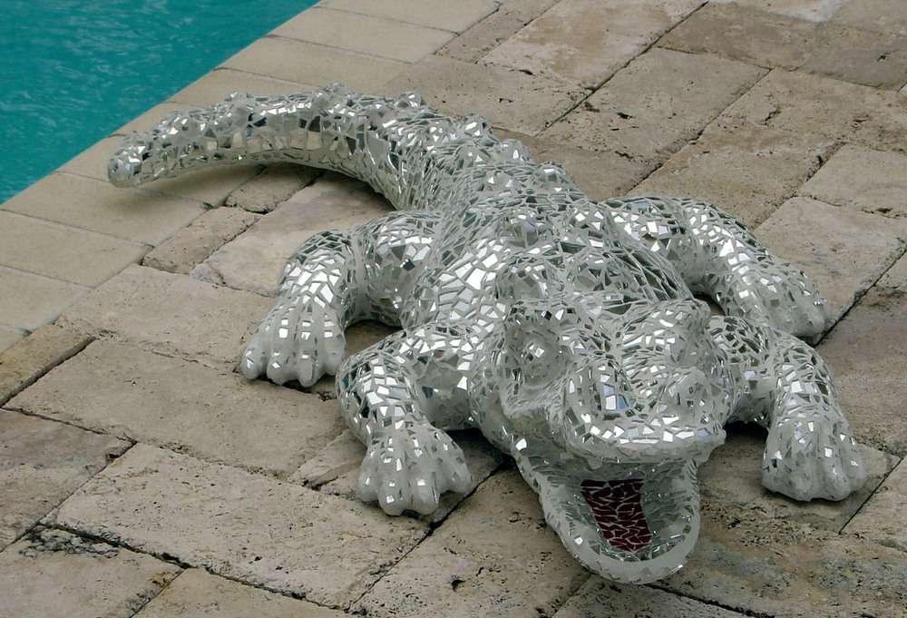 mosaic gator with pool in background.jpg