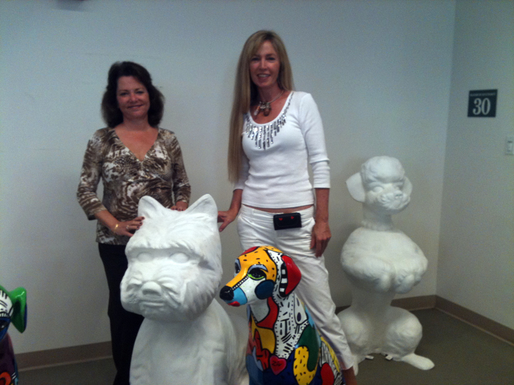Mayor Cindy Lerner and Artist Marcie Ziv together for Smarty Dogs Project in Pinecres.jpg