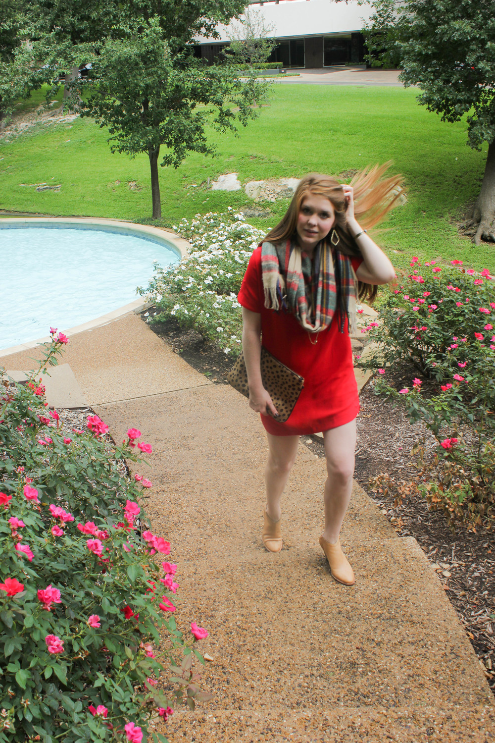 red shift dress, plaid blanket scarf, cheetah clutch