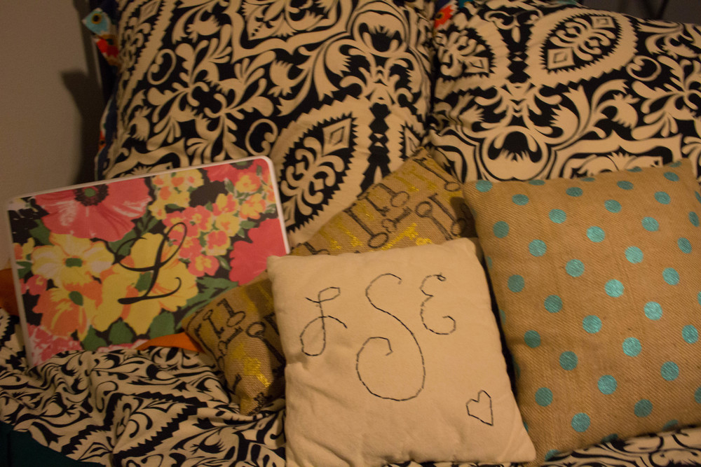 caseapp laptop skin, one teaspoon freebirds jeans, anthropologie bedding