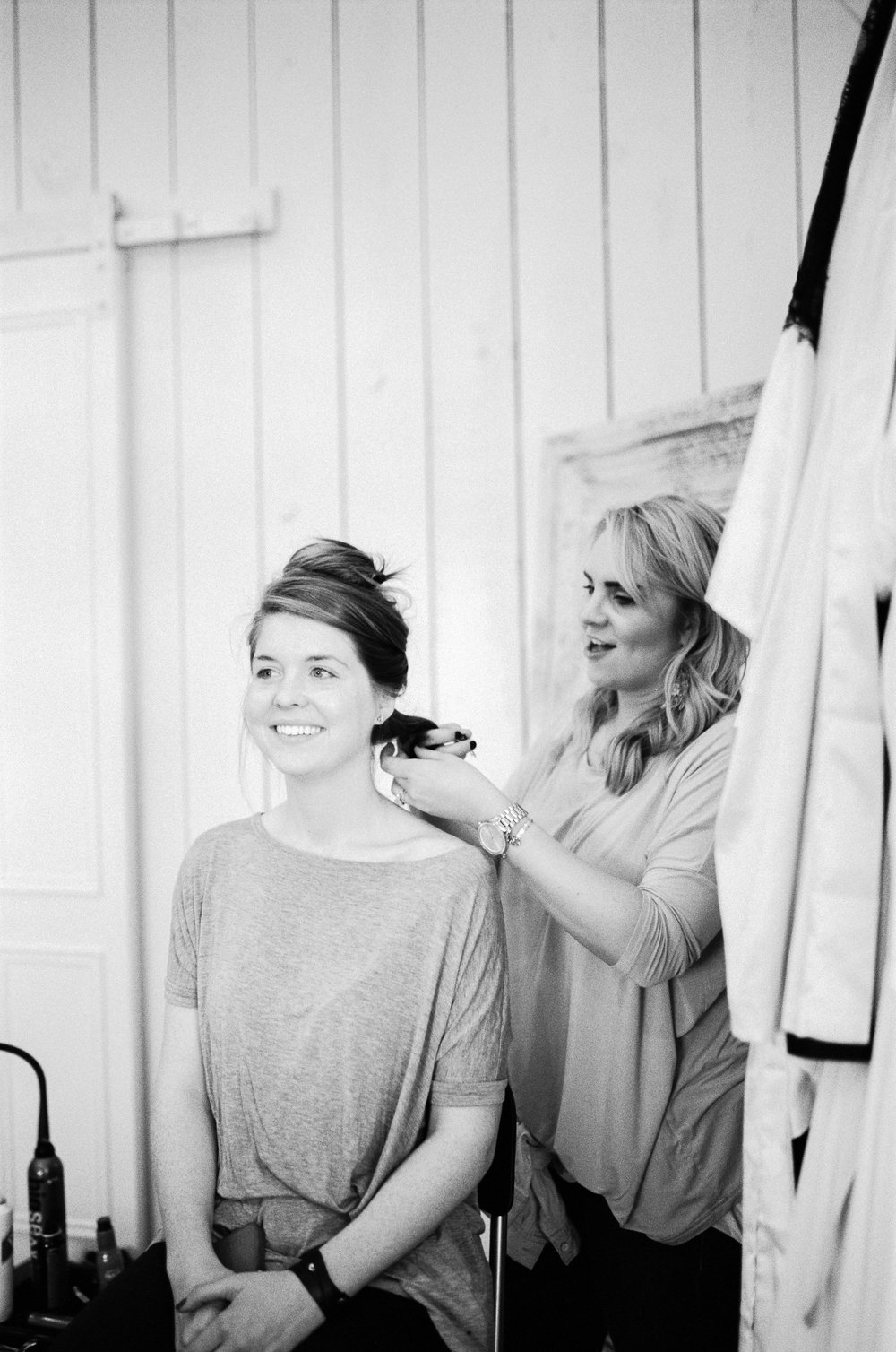 grand slam glam, the white sparrow barn, bridesmaids getting ready