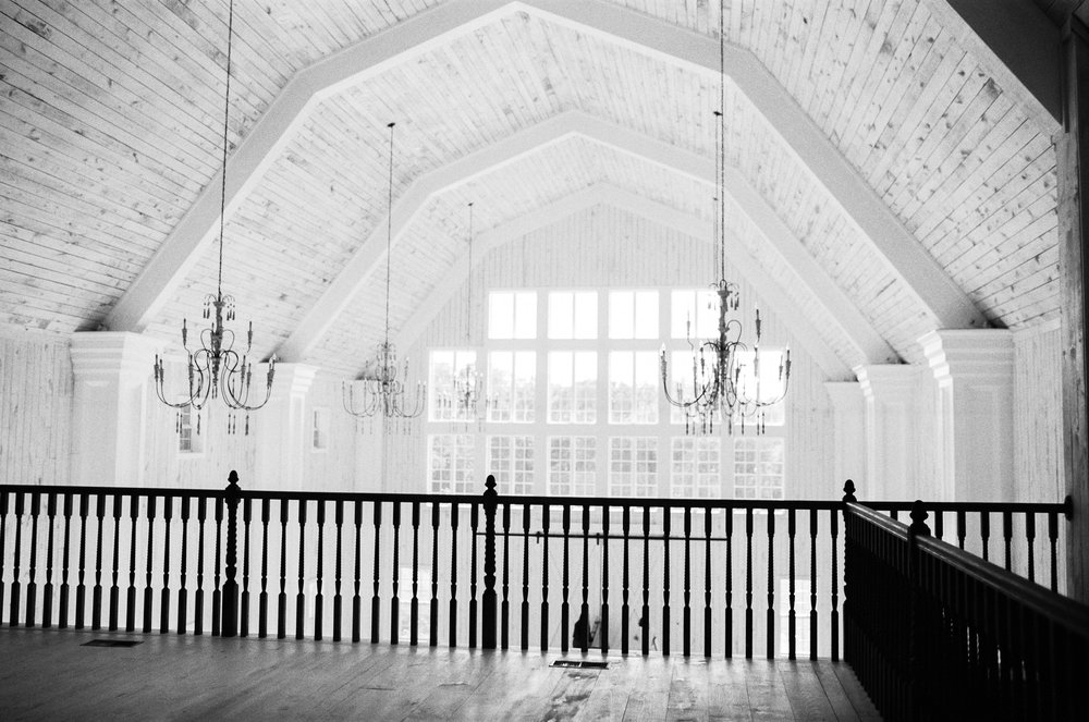 white sparrow barn, dallas wedding