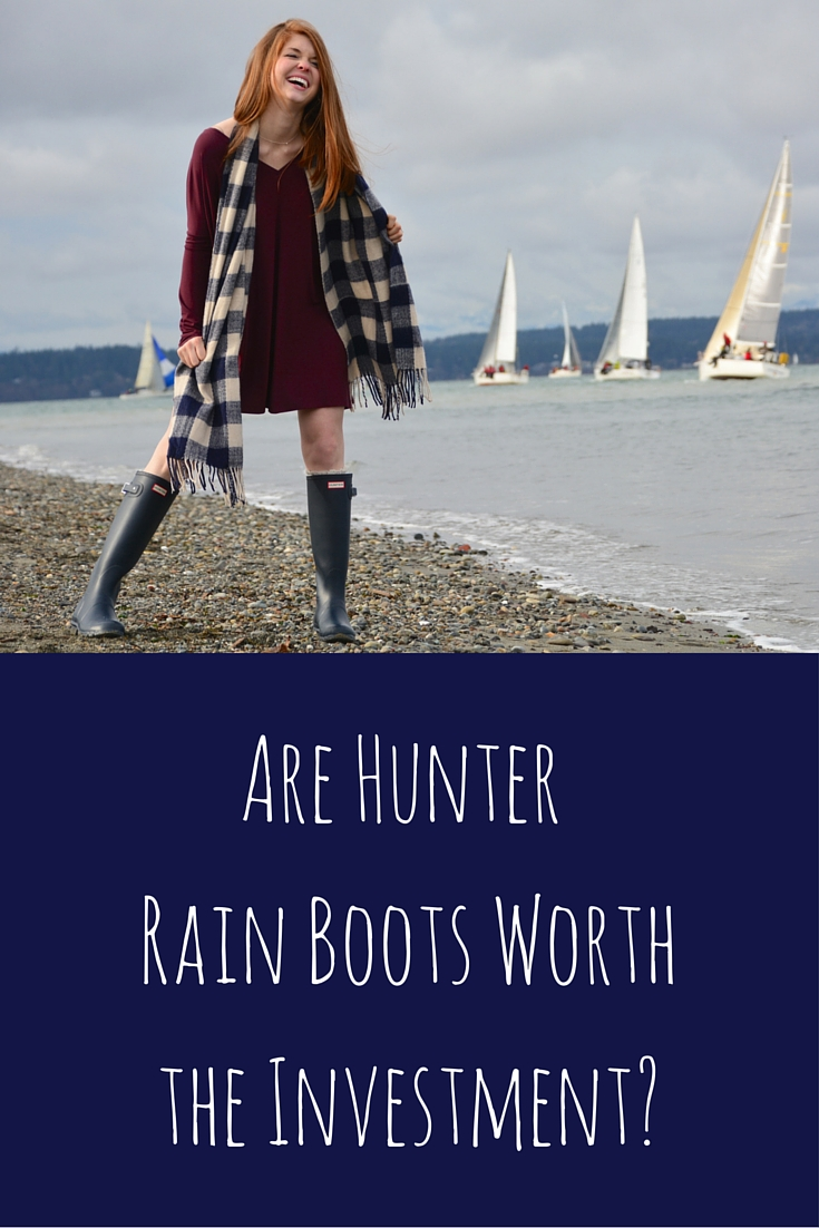 tall navy hunter rain boots, piko tunic, gingham scarf, seattle, discovery park, pnw, heidi lockhart somes photography, are hunter rain boots worth the investment