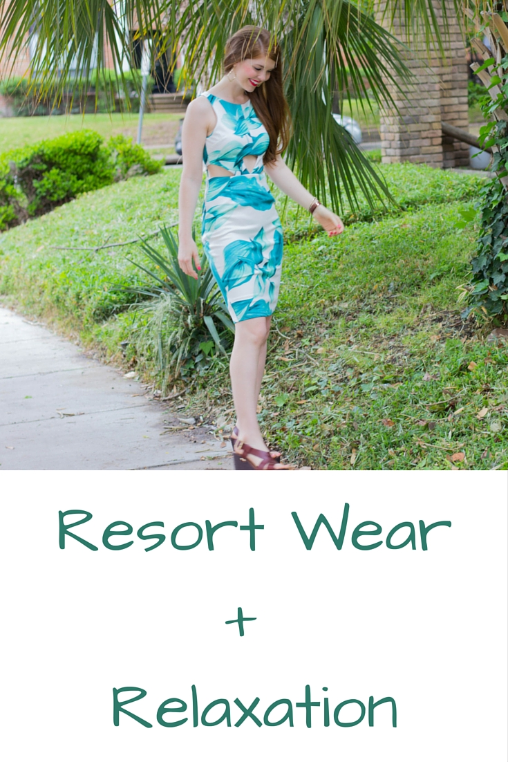 resort wear and relaxation, latiste by amy, palm tree dress, kendra scott sophee earrings, travel