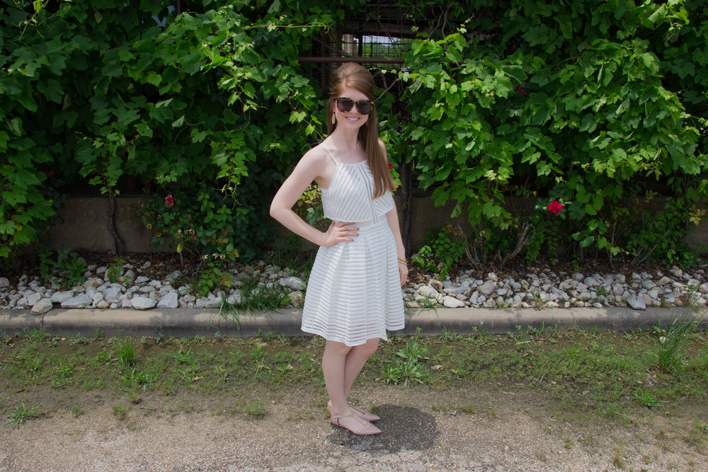 ark and co white mesh striped dress, waco, meridian, texas winery, vineyards, wine, karen walker super sunglasses, halogen valentino rockstud flats, kendra scott lauren flats