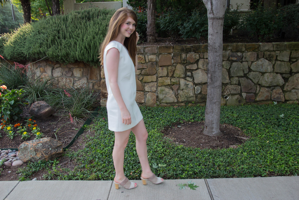 cultro dumbo white dress, scuba dress, how to wear white when you're pale, hush puppies suede slides, kendra scott druzy cuff, kendra scott sophee earrings