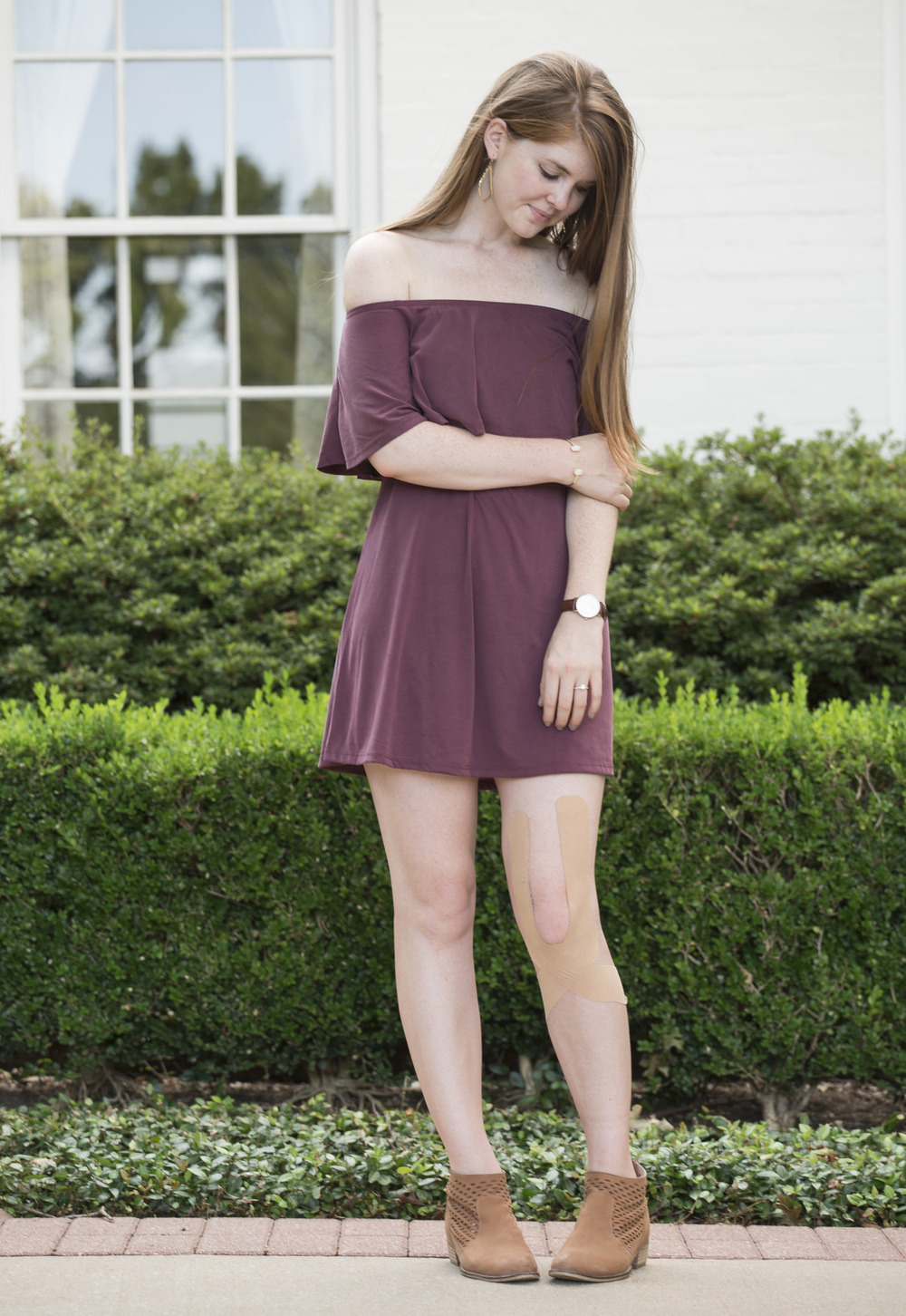 bp maroon off the shoulder cotton dress, seychelles waypoint booties, kendra scott sophee earrings, kendra scott druzy cuff, daniel wellington watch, jomashop, sarah kelly photography, dallas photography, arlington hall at lee park, nordstrom