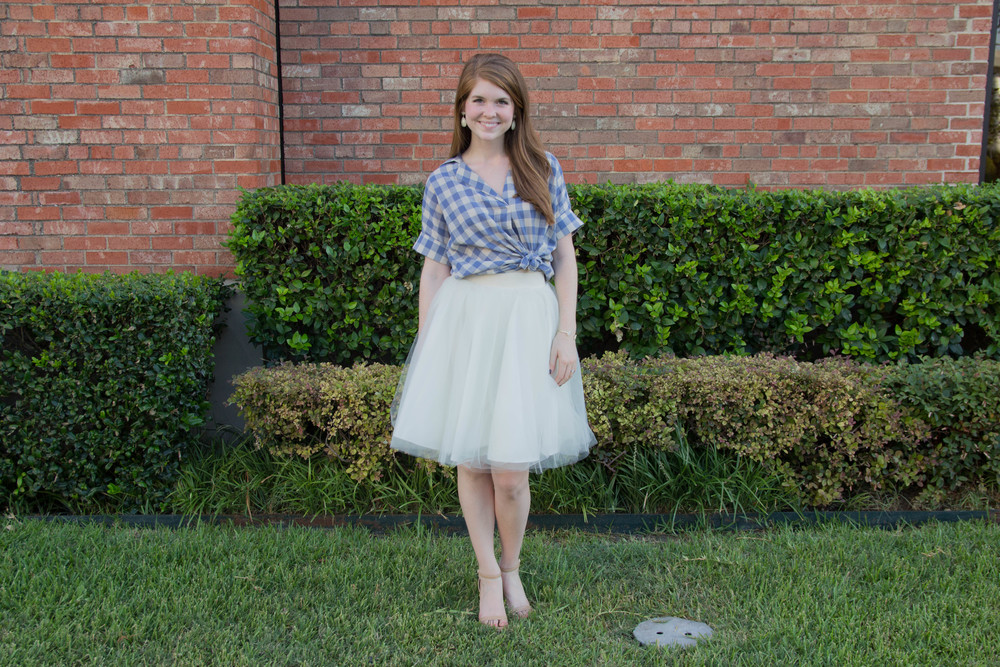 nordstrom madewell courier back gingham shirt, bliss tulle ashley skirt, sam edelman sandal heel, kendra scott earrings and cuff, essie smokin hot nail polish