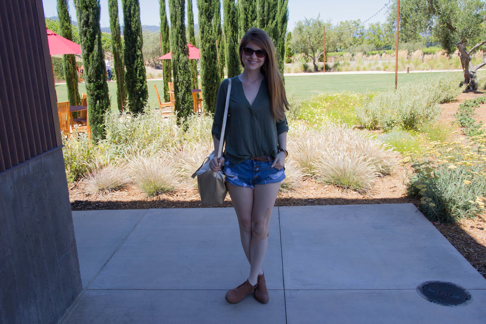 napa, napa valley, california, wine country, 24 hours in napa, what to do if you only have 1 day in napa, where to wine taste in napa, B Cellars, food and wine pairing, lush olive tunic, seychelles waypoint booties, one teaspoon shorts