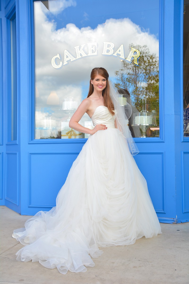 how i found my wedding dress, plus 9 tips to find yours, wedding dress tips, wedding dress shopping, deep ellum elephant mural, nordstrom bridal sale, dallas wedding, heidi lockhart somes photography, where to get wedding dresses in dallas