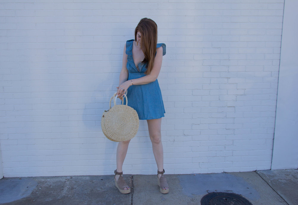 revolve motel chambray ruffle dress, marc fisher annie wedges, clare v, clare vivier straw handbag, round purses, circle purses, handbags, baublebar tassel earrings