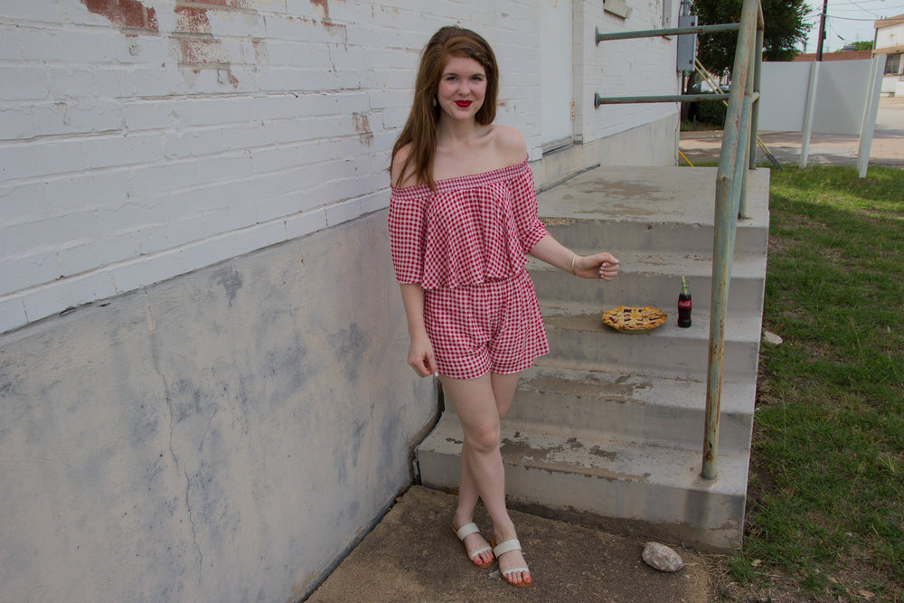 show me your mumu cherry pie gingham, dolce vita pacer slides, dallas fashion blogger, lments of style, nyx red lipstick