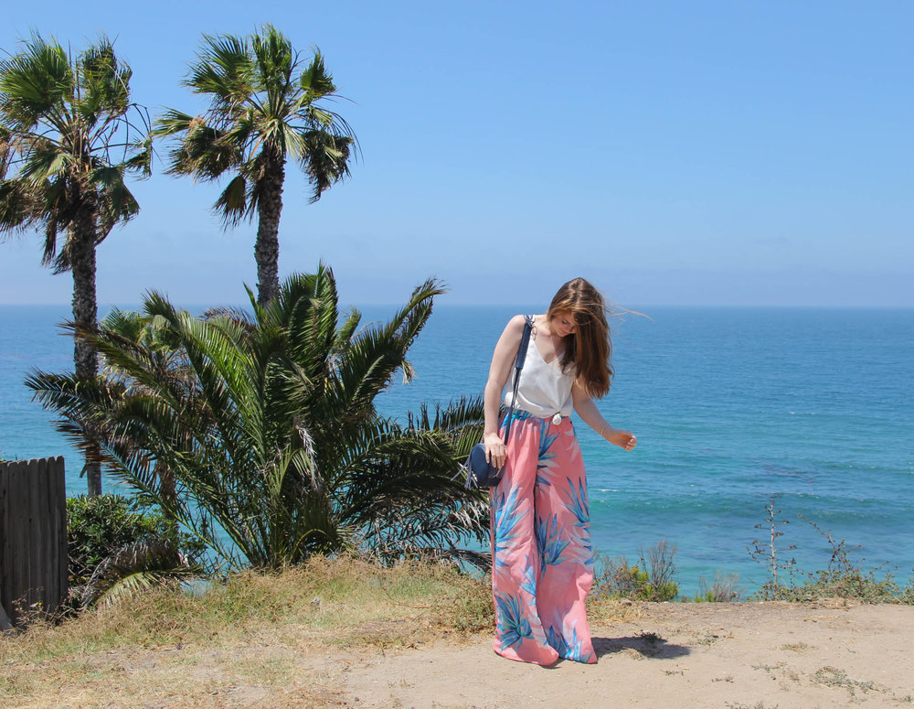 clothes that travel best and wrinkle less, show me your mumu, tropical twist, laguna beach, the best pants, topshop camisole