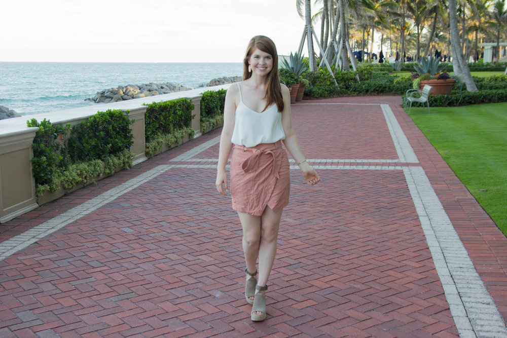 the breakers, palm beach, madewell portside skirt, abercrombie tank, kendra scott earrings, elton bracelet, marc fisher annie wedge, places to go in florida, where to go in palm beach
