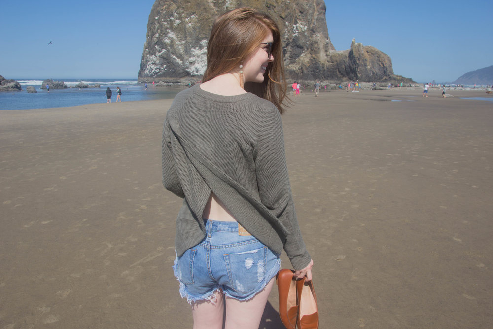 is cannon beach worth the drive, haystack rock, needles in the haystack, oregon, pdx. what to do in cannon beach, oregon coast, pacific northwest, madewell province sweater, one teaspoon shorts