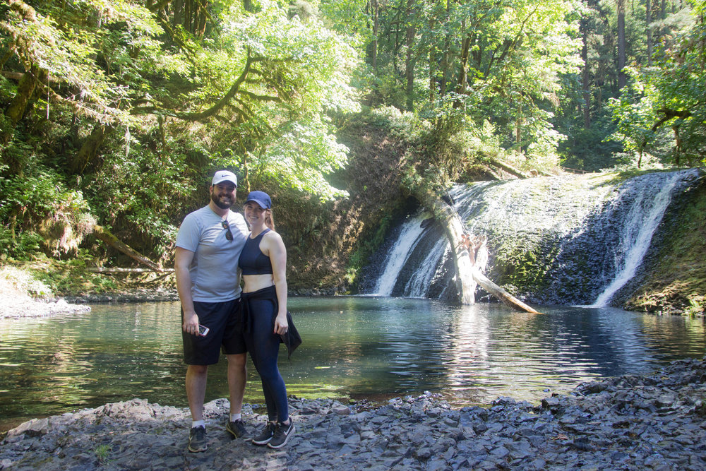where to hike in oregon, silver falls, oregon waterfalls, prettiest hikes, outdoor voices athena crop, 7/8 warm-up pant, lulu lemon define jacket, ray-ban erik sunglasses, nike lunarepic low glide flyknit 2
