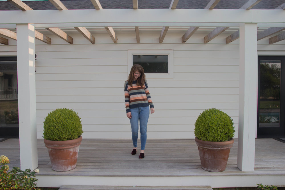 travel guide what to do in the willamette valley, salem, oregon, madewell pullover sweater elmwood stripe, madewell gemma mule in velvet, atthejoy, anahata vineyard