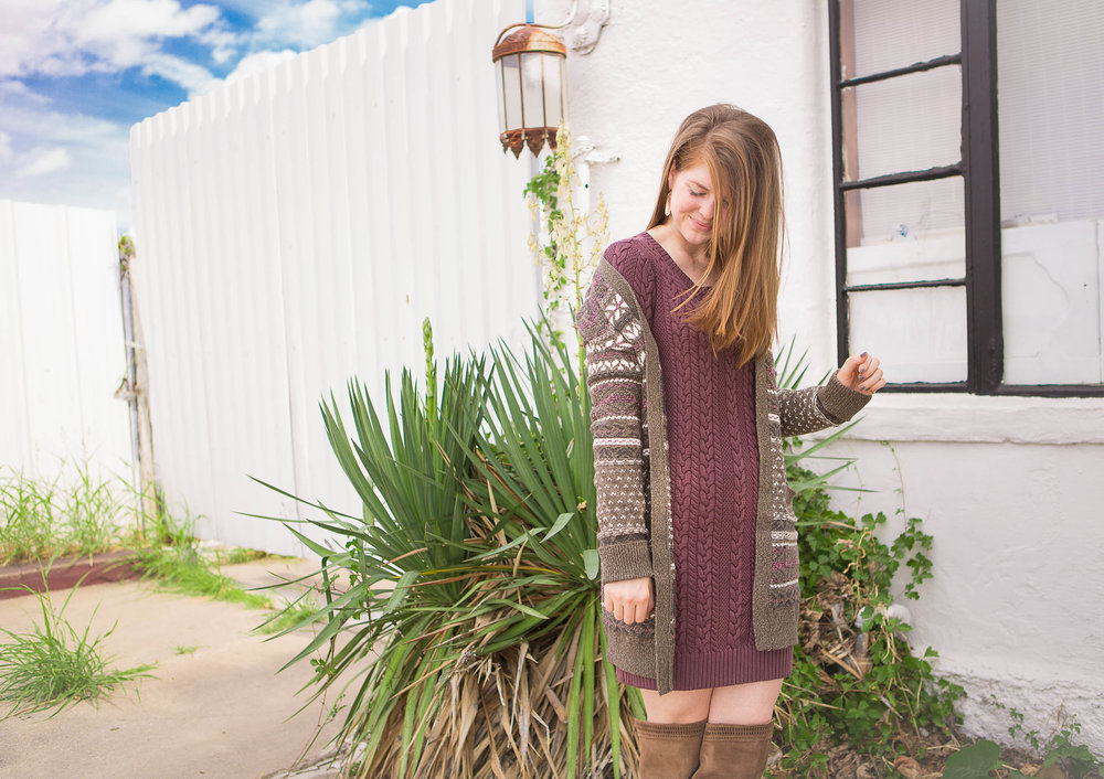 fall cardigan guide, abercrombie garment dye sweater, abercrombie long patterned cardigan, vince camuto karinda over the knee boots, kendra scott layla earrings, hannah banana photography