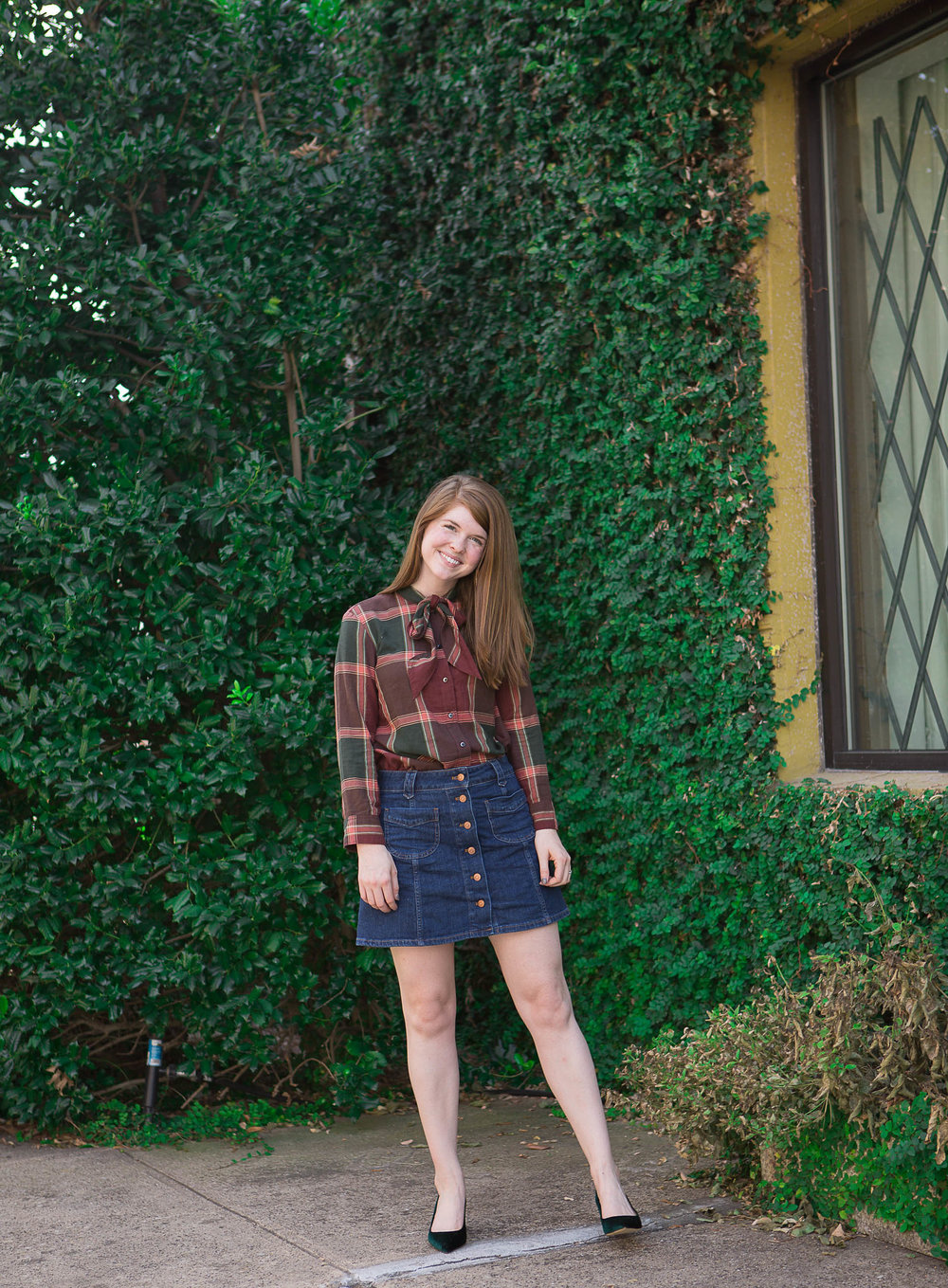 madewell plaid tie-neck shirt, madewell patch-pocket jean skirt, j. crew avery green velvet pumps, kendra scott layla drop earrings, hannah banana photography, dallas fashion blogger, fall fashion, fall style
