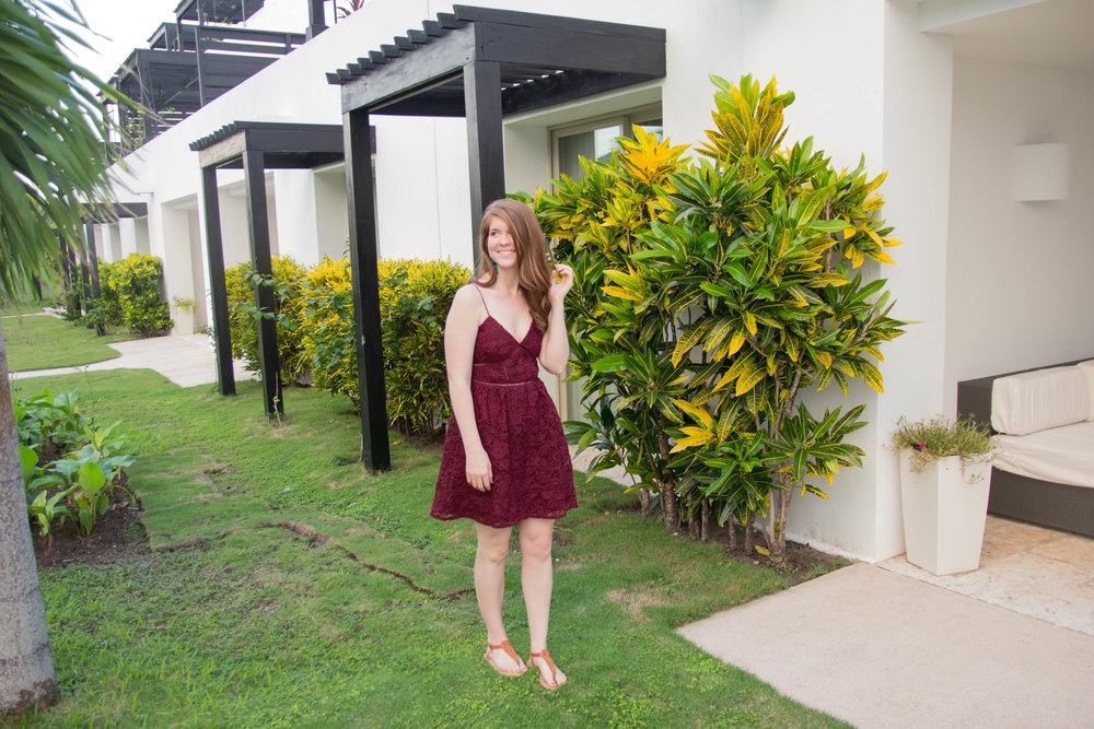 burgundy christmas party dress, holiday style, christmas party outfit inspo, bb dakota sutton lace dress, baublebar taylor tassel earrings, belize, ambergris caye, san pedro