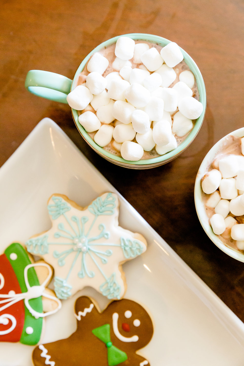 assorted christmas cookies in dallas, anthropologie christmas mugs, home christmas decor, madison katlin photography