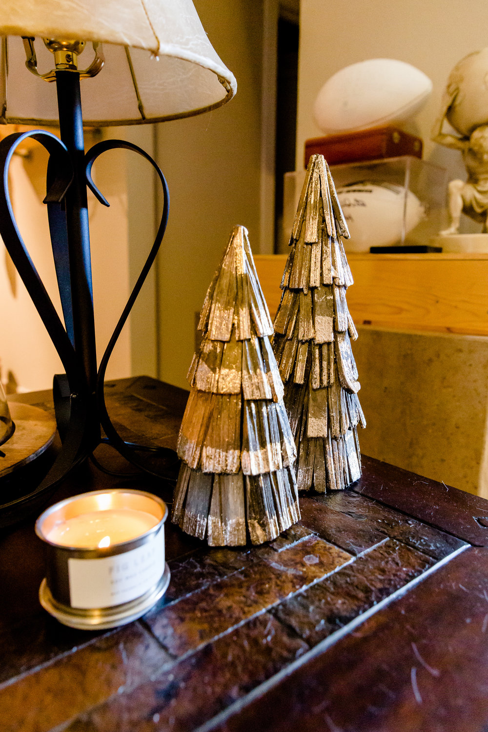 madison katlin photography, home christmas decor ideas, christmas decor for small apartments, hearth and hand target, sugar paper los angelas