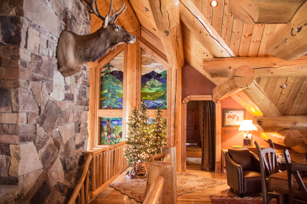 where to stay in kalispell, montana, log cabin in montana, whitefish, ski vacation, flathead lake, glacier national park, somers, montana