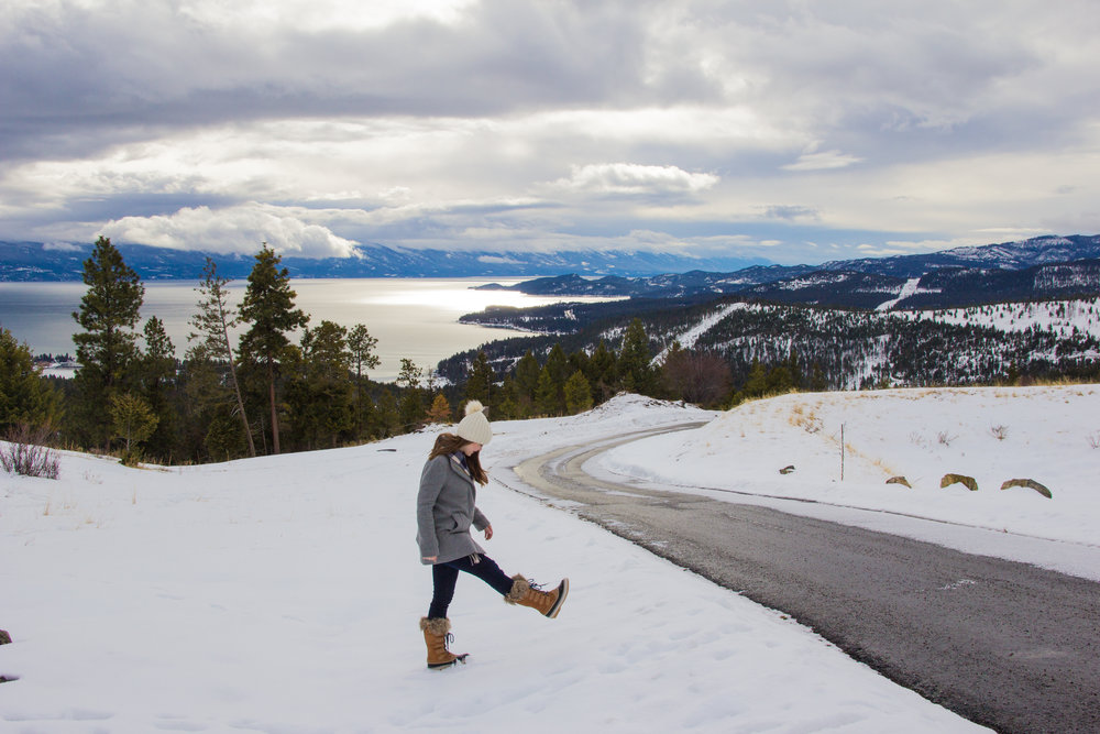 where to stay in kalispell, montana, log cabin in montana, whitefish, ski vacation, flathead lake, glacier national park, somers, montana, sorel boots