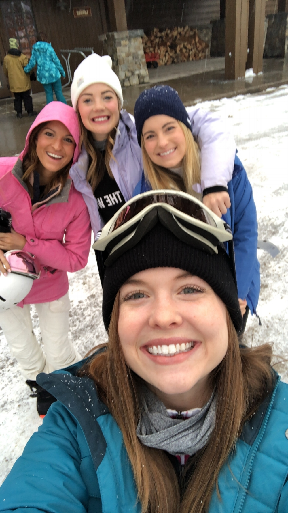 ski tips for beginners, ski whitefish, whitefish mountain resort, montana, what to expect for your first time skiing, lauren kay sims, kami blease
