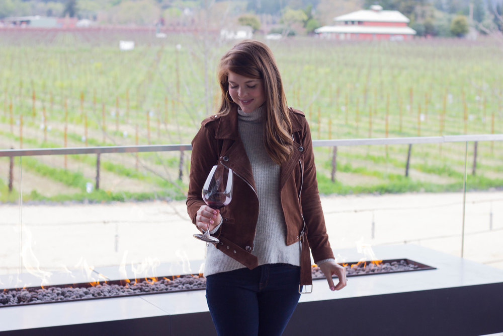 what to wear wine tasting, how to dress when going wine tasting, wine tasting tips, napa valley, wine tasting in napa valley, sonoma, hall wines