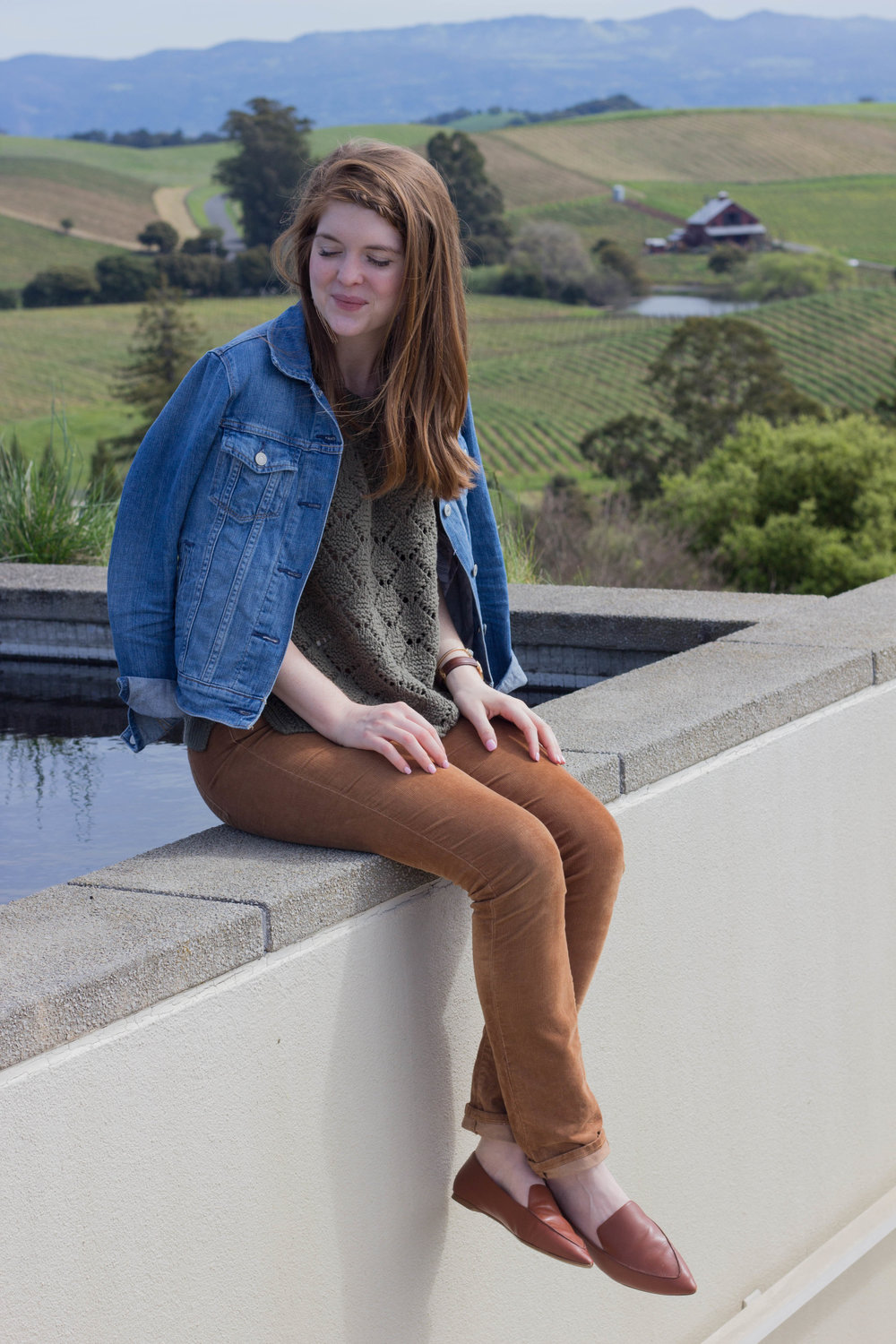 what to wear wine tasting, how to dress when going wine tasting, wine tasting tips, napa valley, wine tasting in napa valley, sonoma, artesa vineyards