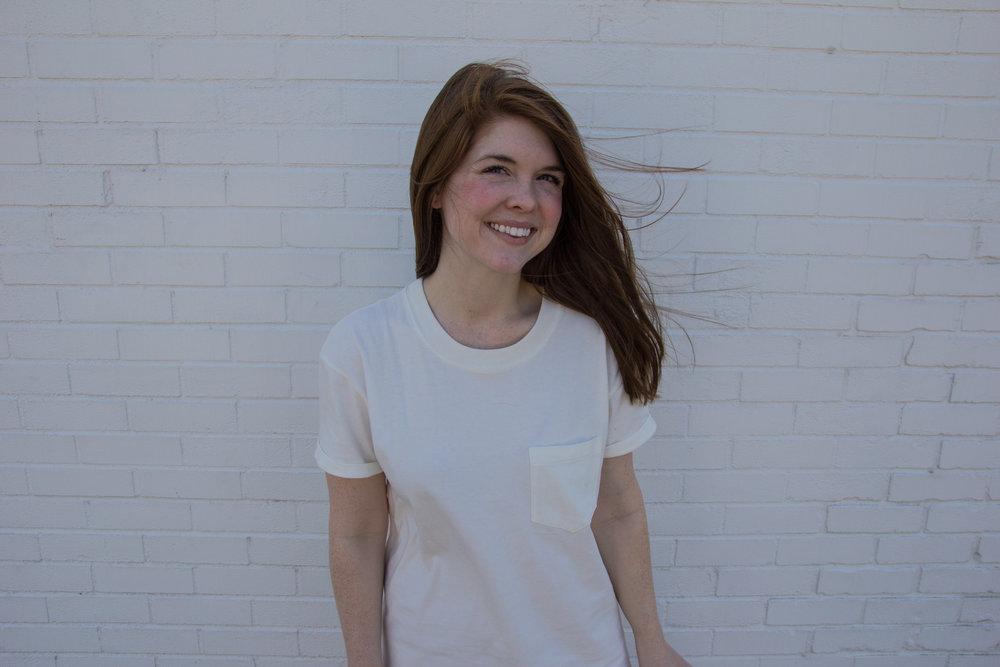 madewell pocket t-shirt dress, the art of versatility, pocket t-shirt dress 4 ways, vince warren slip on sneakers