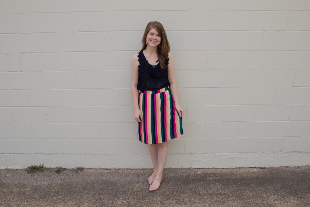 gibson x hi sugarplum! navio pleat skirt, kendra scott diane earrings, the art of versatility, pleated skirt 3 ways, stripes, lments of style, ellespann