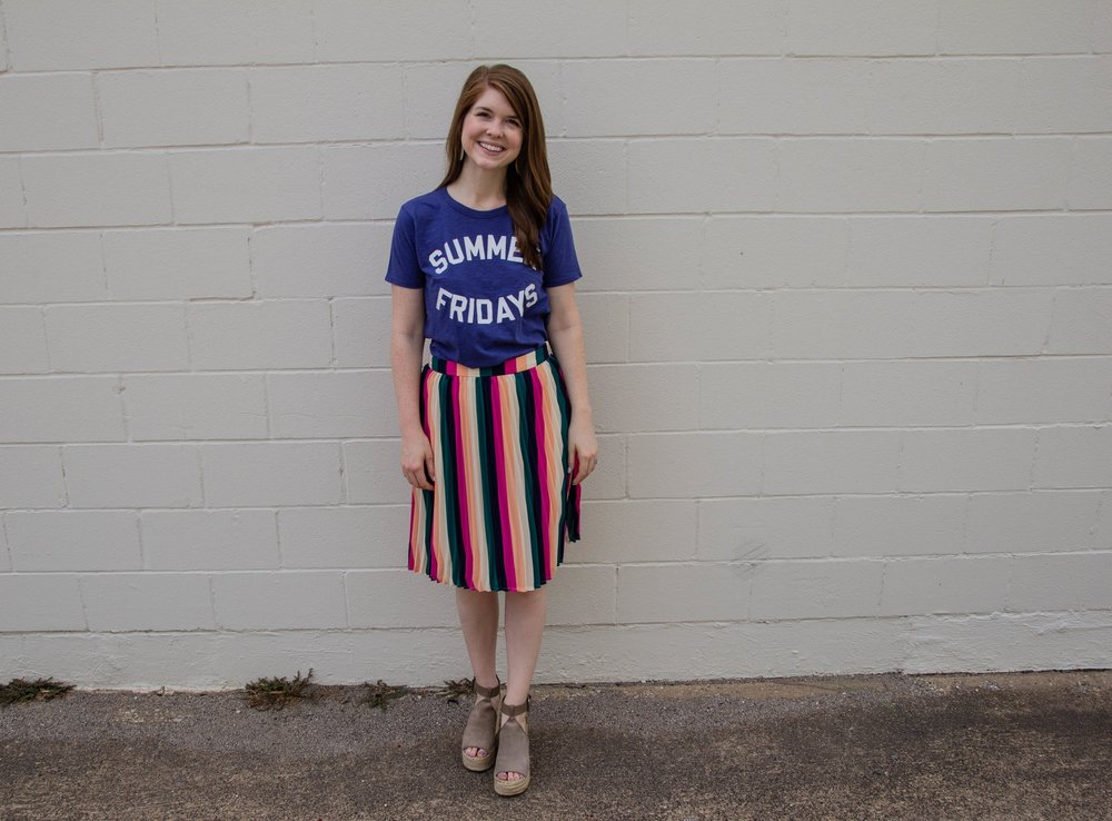 gibson x hi sugarplum! navio pleat skirt, kendra scott diane earrings, the art of versatility, pleated skirt 3 ways, stripes, lments of style, ellespann, summer fridays
