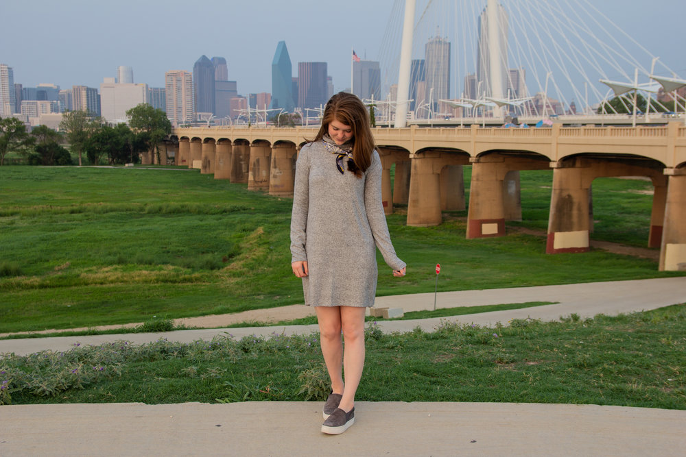 the art of versatility, easy chic, lments of style, ellespann, fall style, fall outfit inspo, aerie plush turtleneck dress, vince warren slip ons, bandana, dallas blogger